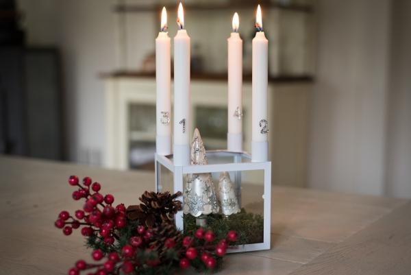 kerzenst nder glaskasten f r 4 kerzen wei adventskranz kerzenkranz advent wei ebay. Black Bedroom Furniture Sets. Home Design Ideas